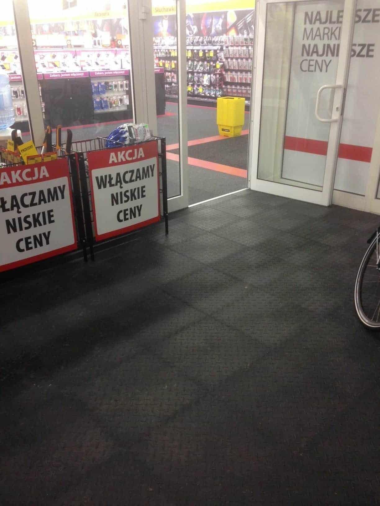 Prodejna cyklistických potřeb, Polsko