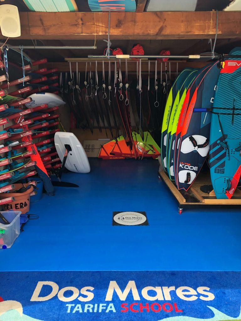 Půjčovna surfů, Španělsko